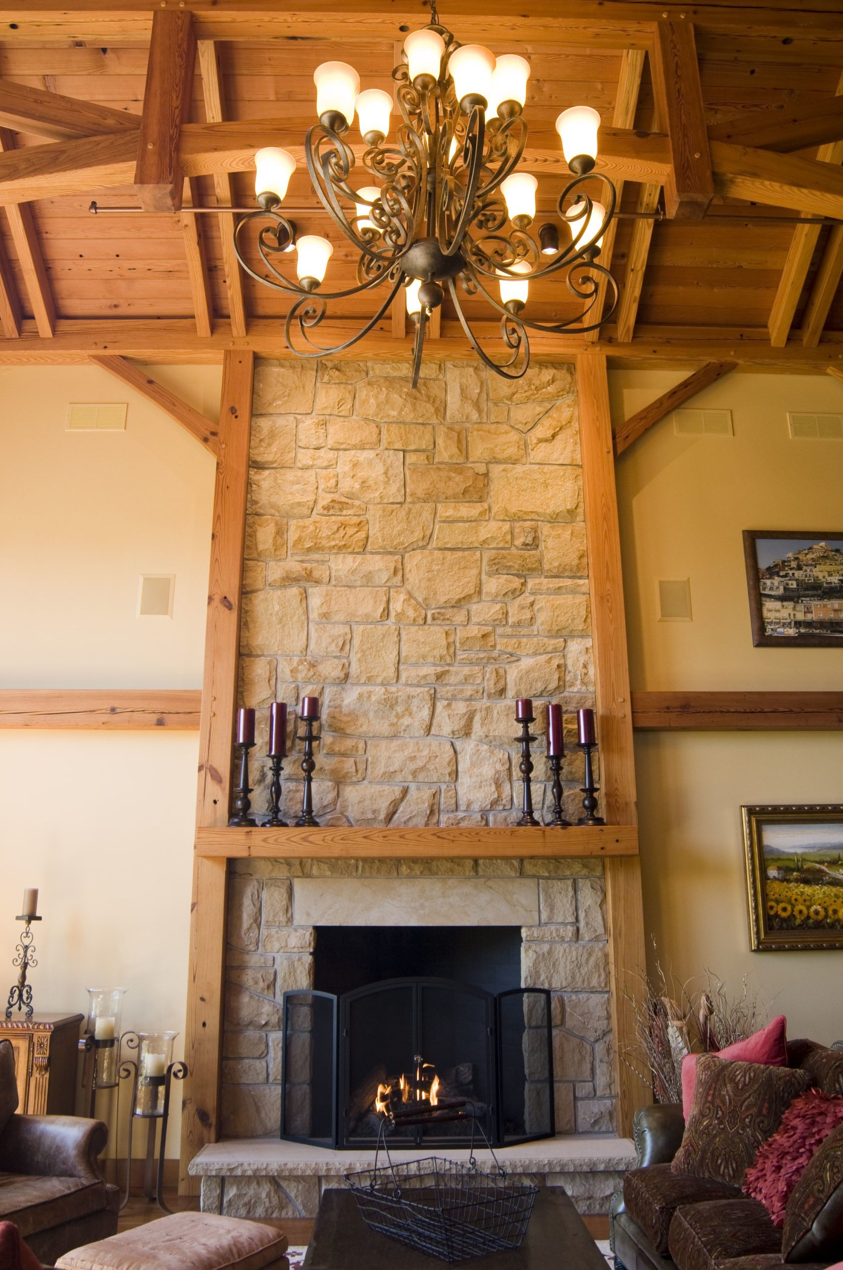Main hall with fireplace at Silvermist